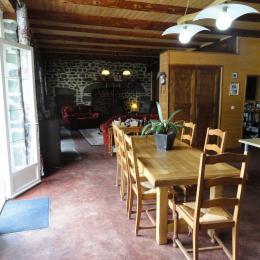 la salle à manger - Location de vacances - Cussac