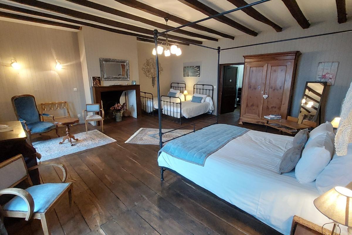 La chambre Puy Griou en famille - Chambre d'hôtes - Aurillac