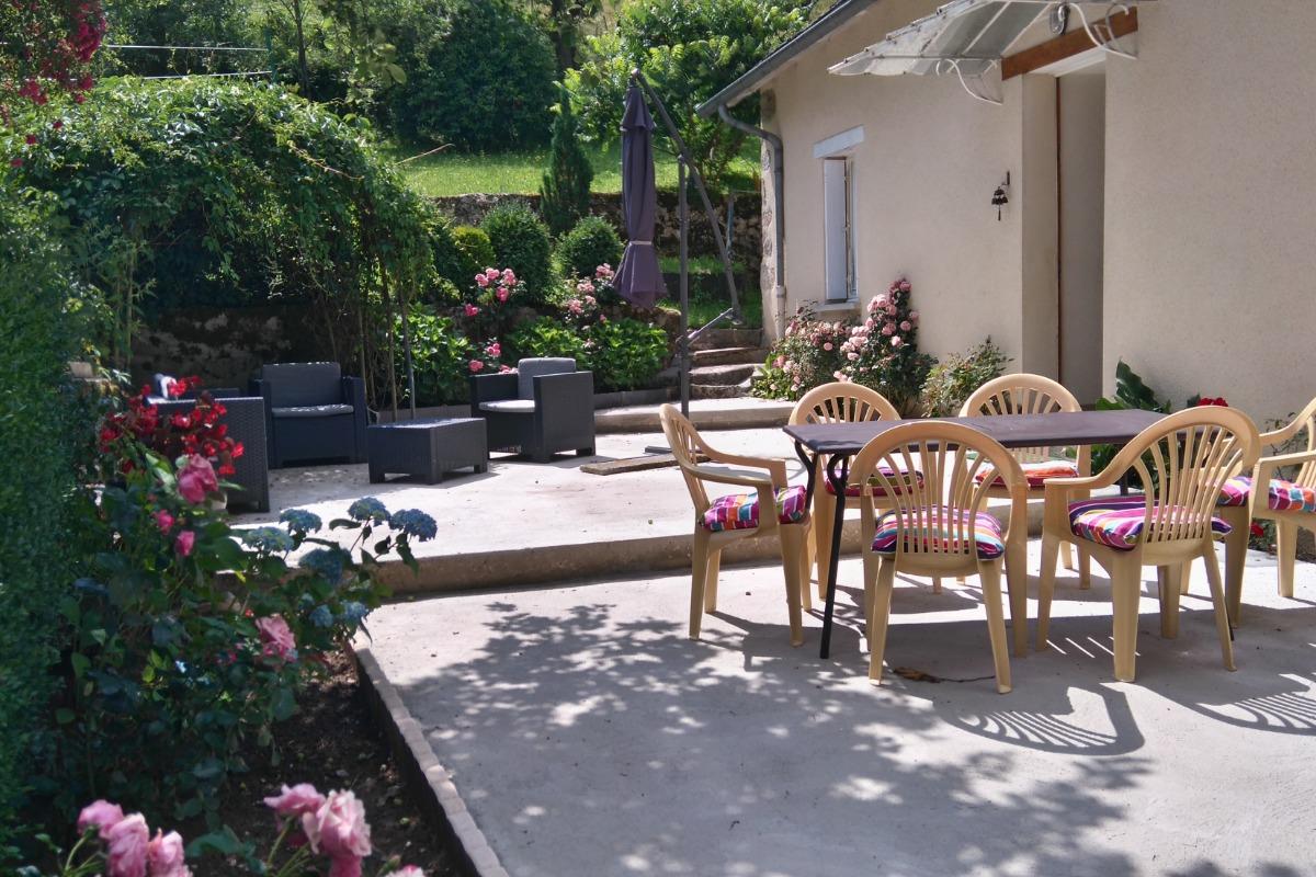 Sa terrasse - Location de vacances - Saint-Gérons