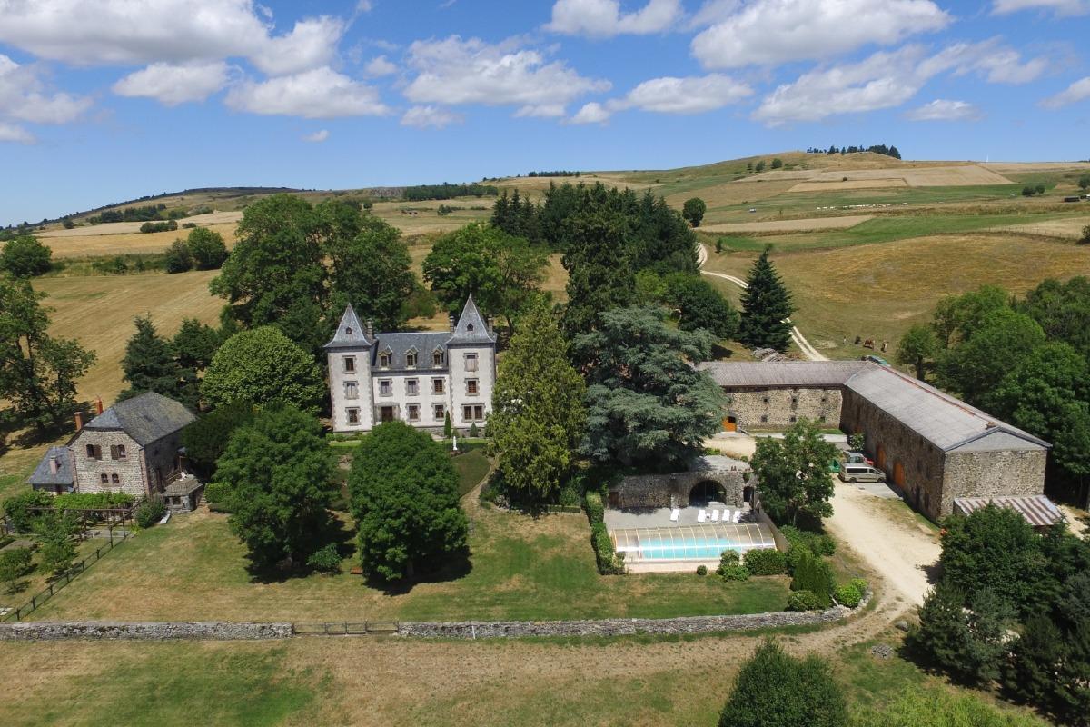 Le Château de Vernières  - Chambre d'hôtes - Talizat