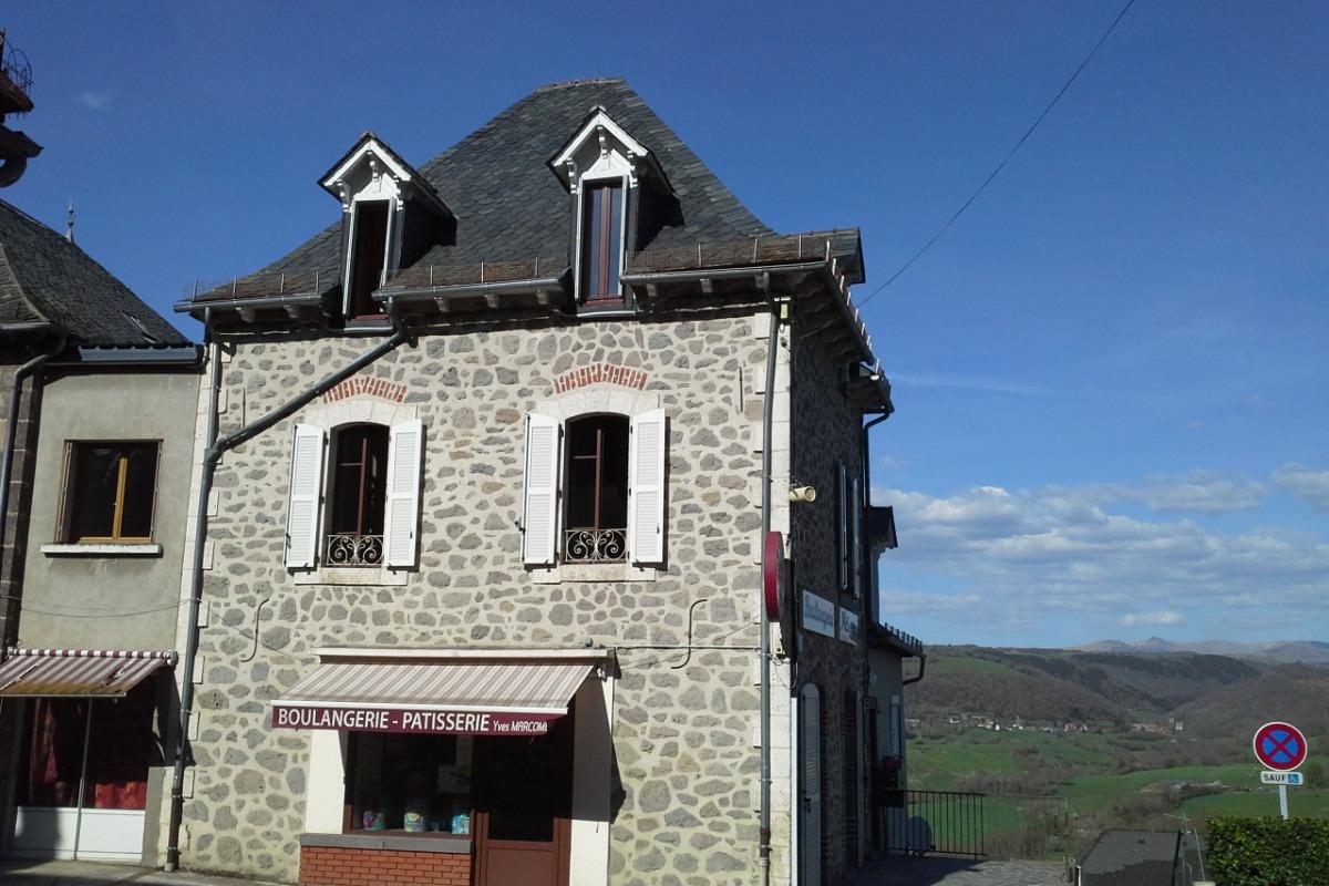 LOCATION AU DESSUS DE LA BOULANGERIE PATISSERIE - Location de vacances - Saint-Cernin