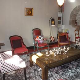 le coin salon de la maison - Chambre d'hôtes - Saint-Cirgues-de-Jordanne