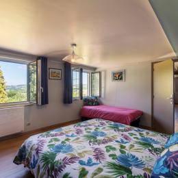 la chambre sud - Location de vacances - Sansac-Veinazès