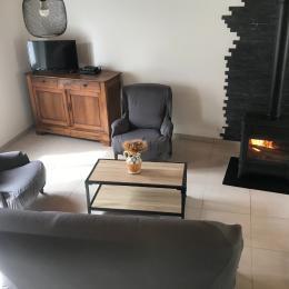 terrain et entrée privatif - Location de vacances - Vèze