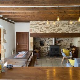 salon vu depuis la cuisine - Location de vacances - Arnac