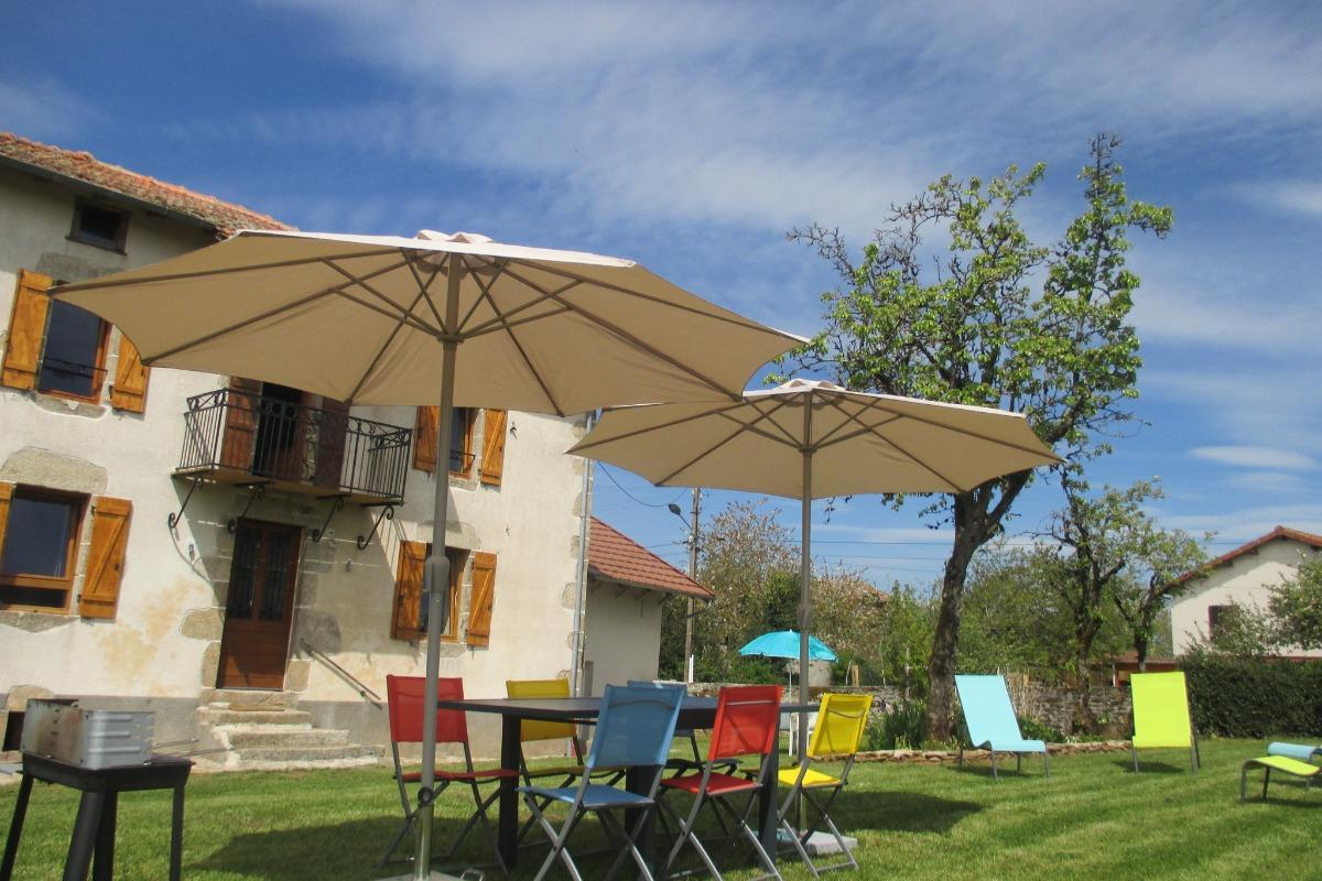 le jardin - Location de vacances - Saint-Mamet-la-Salvetat