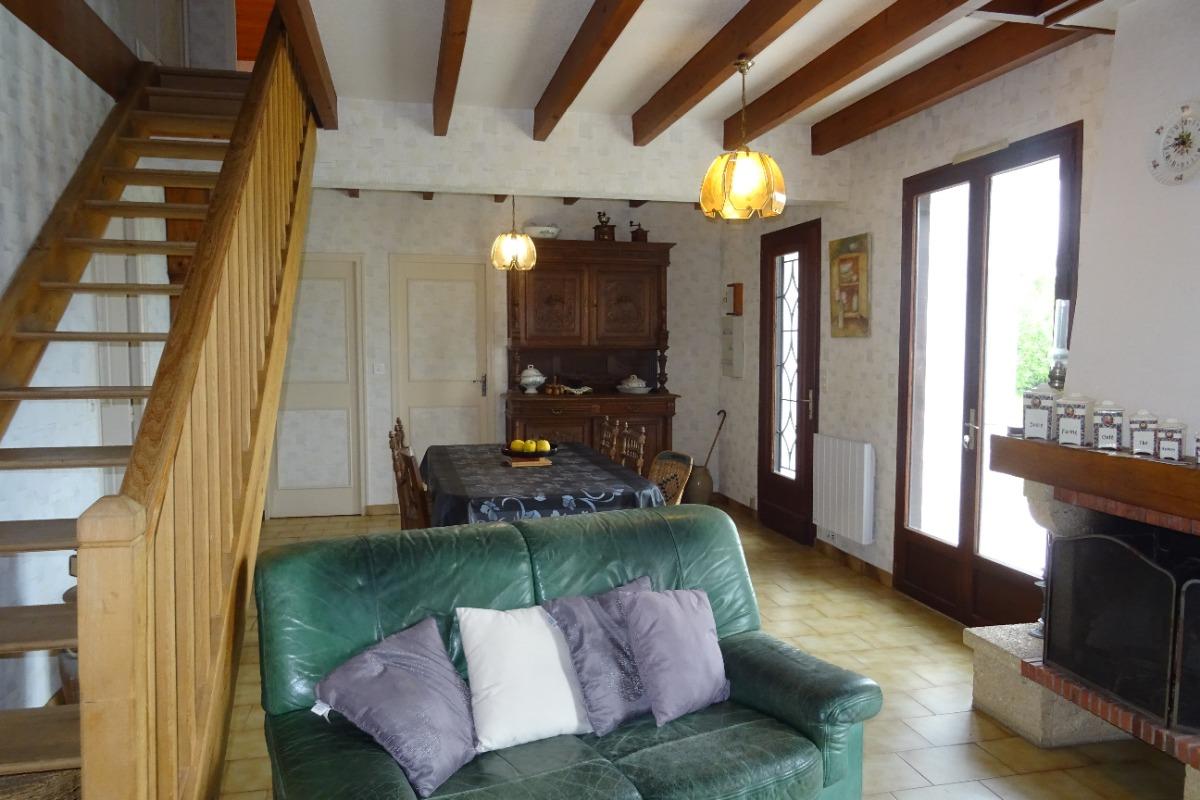 La pièce à vivre - Beaulieu sur Sonnette - Location de vacances - Beaulieu-sur-Sonnette