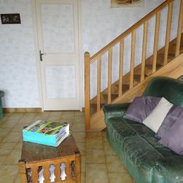 Le salon - Beaulieu sur Sonnette - Location de vacances - Beaulieu-sur-Sonnette