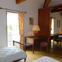 L'autre chambre - Cour de la bergerie - Lonnes - Location de vacances - Lonnes