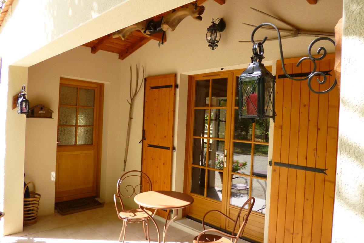 L'entrée - Chambre d'hôtes - Montbron