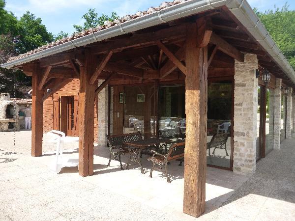 La terrasse - L'arche de la Broue - Lonnes - Location de vacances - Lonnes