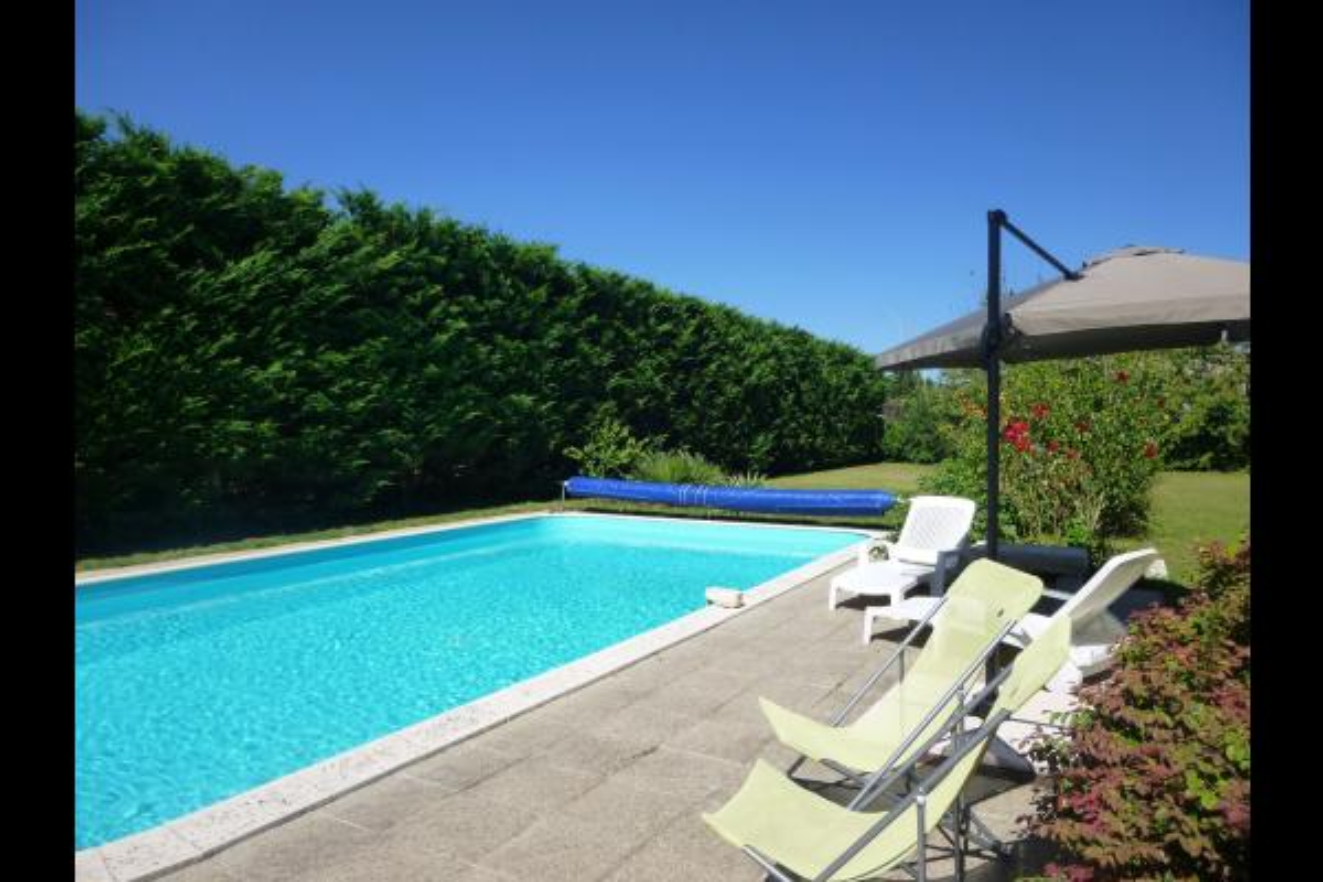 La piscine - Angoulême - Location de vacances - Angoulême