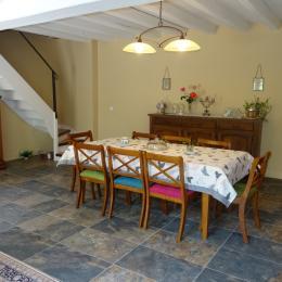 La salle à manger - Maison Ravaud - Aussac-Vadalle - Chambre d'hôtes - Aussac-Vadalle