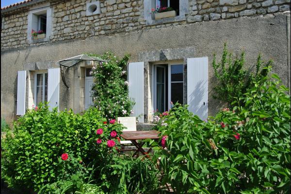 La maison - Gîte le Luquet - Chazelles - Location de vacances - Chazelles
