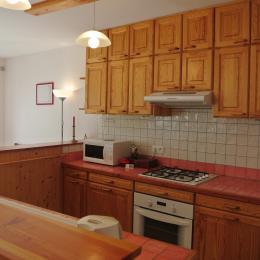 La cuisine - Gîte la Boisse - Rancogne - Location de vacances - Rancogne