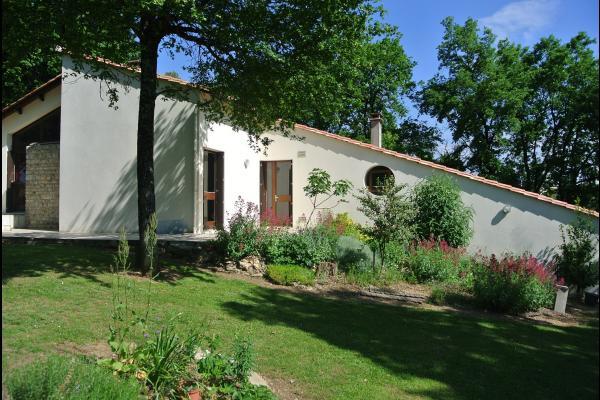 La maison - Roullet St-Estèphe - Location de vacances - Roullet-Saint-Estèphe