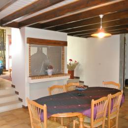 La salle à manger - Roullet St-Estèphe - Location de vacances - Roullet-Saint-Estèphe