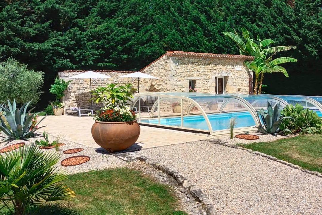 La piscine - Le bois rosier - Cellefrouin - Location de vacances - Cellefrouin