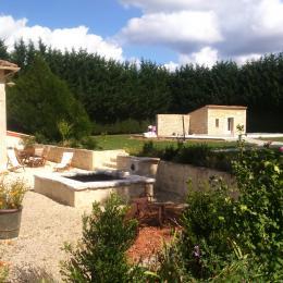 Le jardin - Le bois rosier - Cellefrouin - Location de vacances - Cellefrouin