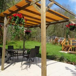La terrasse - La Garenne - Exideuil - Location de vacances - Exideuil