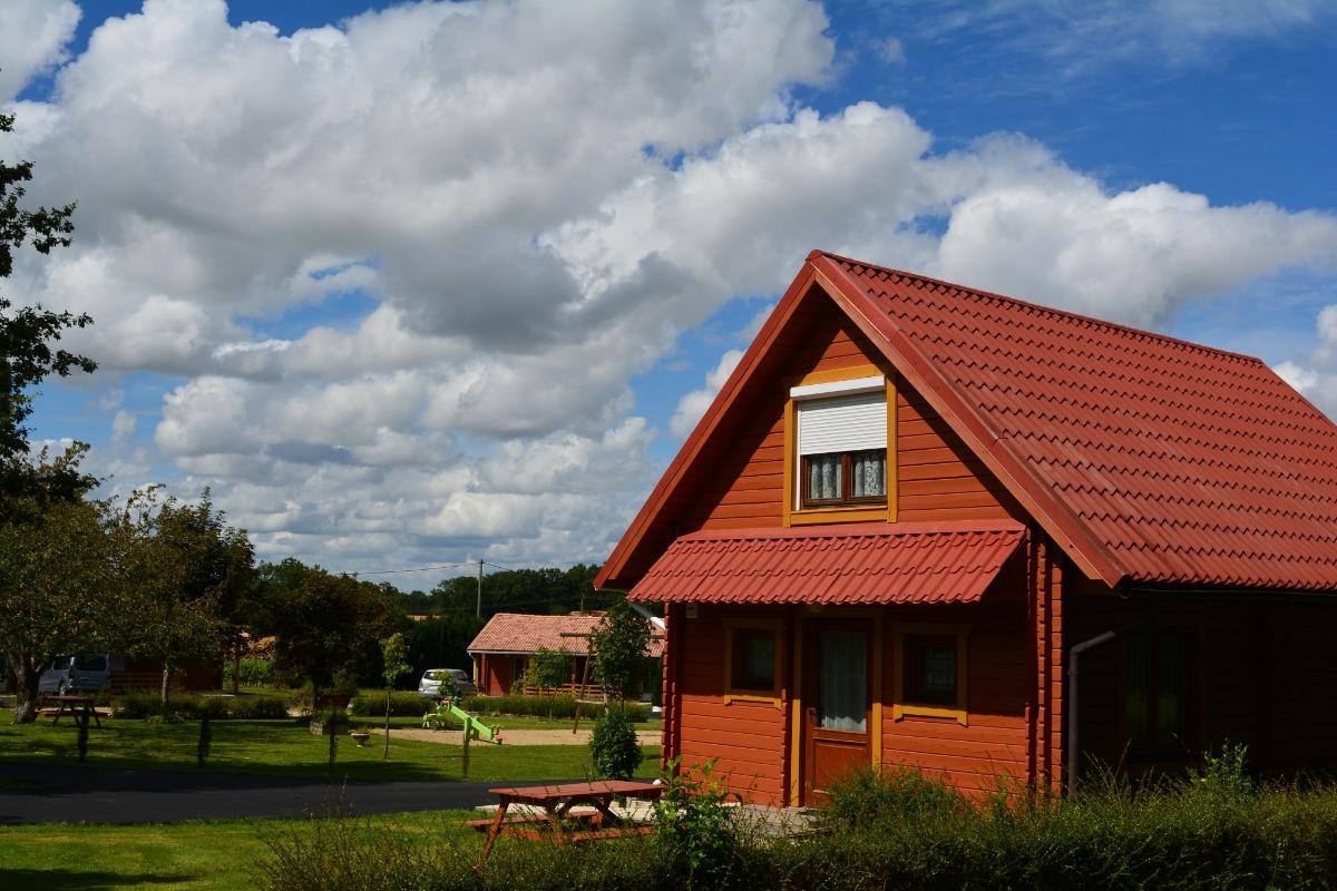 Chambre adulte avec balcon privatif - Location de vacances - Jonzac