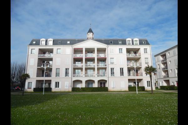 l'appartement est à gauche en rez de chaussée - Location de vacances - Rochefort
