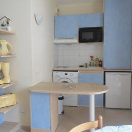 coin cuisine - Location de vacances - Rochefort