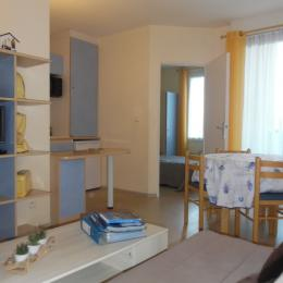 aperçu de la chambre et de la cuisine - Location de vacances - Rochefort