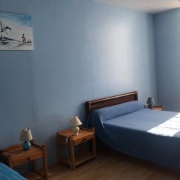 Chambre bleue - Location de vacances - Courcerac