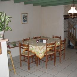 salle à manger 1 - Location de vacances - Bernay-Saint-Martin