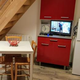 coin cuisine - ré de chaussée - Location de vacances - Meschers-sur-Gironde