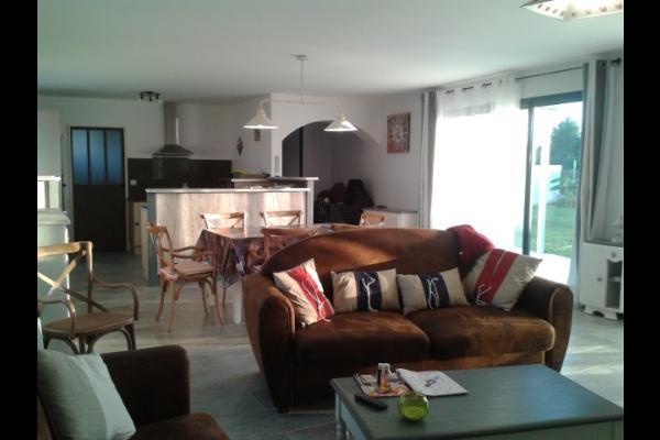 salon-séjour, cuisine et entrée - Location de vacances - Le Grand-Village-Plage