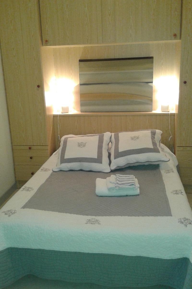 Chambre 1 lit 140 - Location de vacances - Trizay