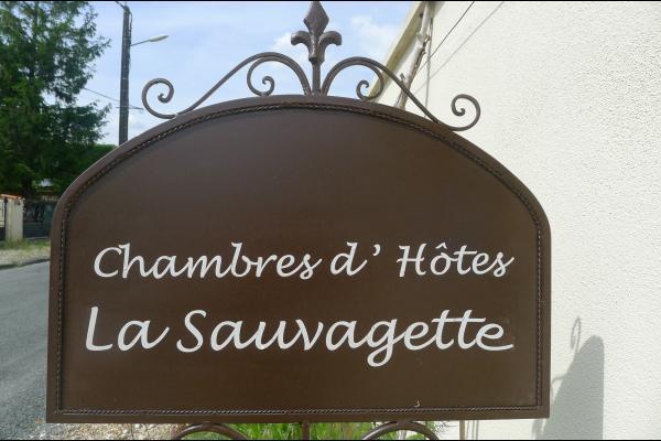 L'autre chambre aménagée en lits jumeaux (90 cm) - Chambre d'hôtes - Mortagne-sur-Gironde