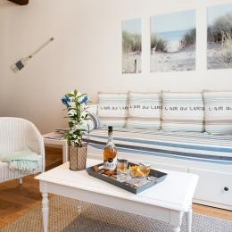Un canapé lit transformable (200 cm) - Location de vacances - La Rochelle