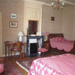 L'Aunisienne et ses 2 confortables lits - Chambre d'hôte - Puyravault
