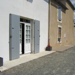 Studio Tournesol au Clos de la Garenne : entrée indépendante contre le logis - Location de vacances - Puyravault