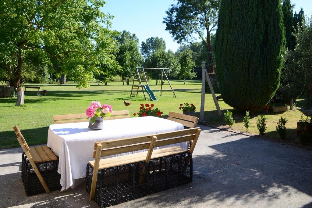 Terrasse vue sur le parc - Location de vacances - Cravans