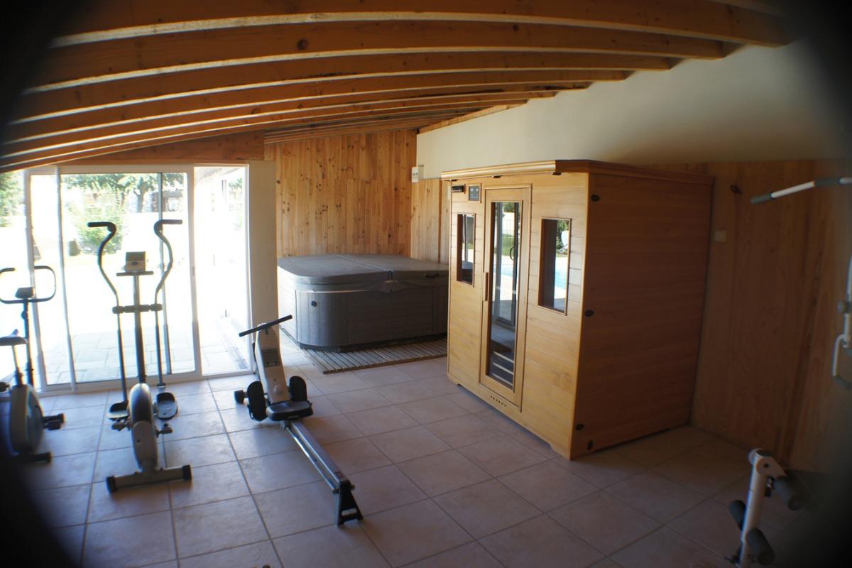 SPA et sauna - Location de vacances - Meursac