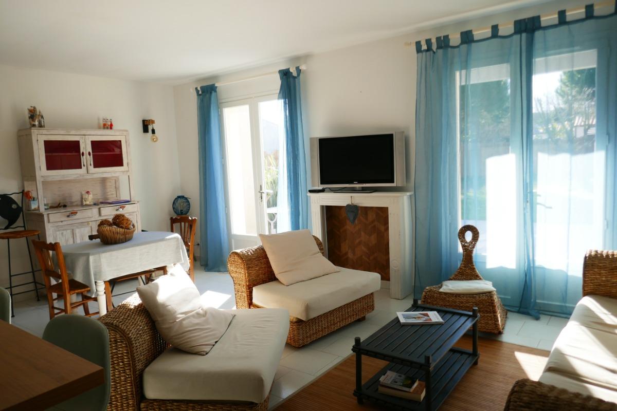 Jardin clos avec terrasse - Location de vacances - Saint-Georges-d'Oléron