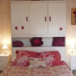 Chambre  - Location de vacances - Salles-sur-Mer