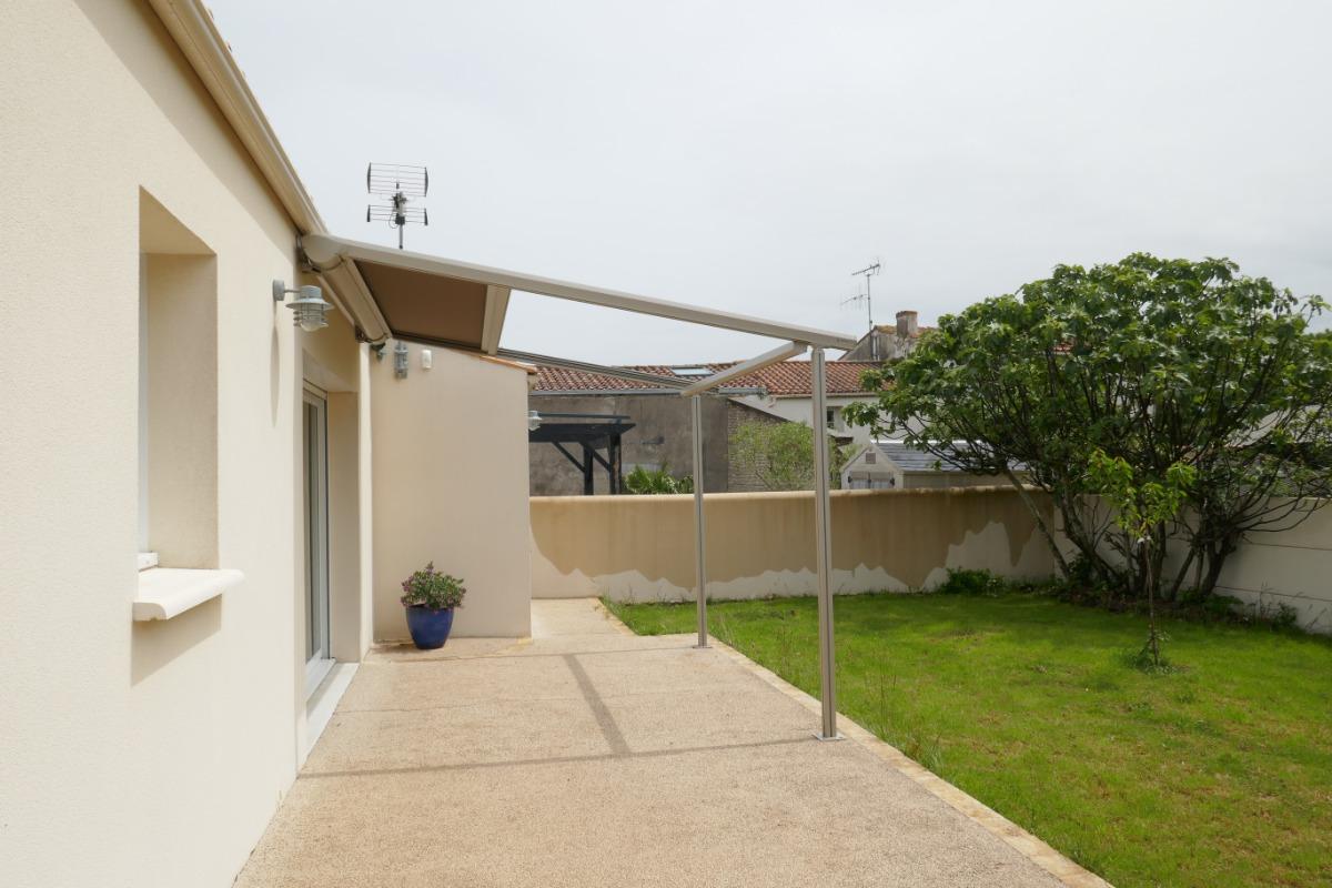 Terrasse et jardin - Location de vacances - Saint-Xandre