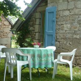 Terrasse Est - Location de vacances - Bassignac-le-Haut