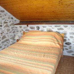 la chambre - Location de vacances - Gimel-les-Cascades