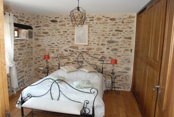 chambre bas 1 - Location de vacances - Beaumont