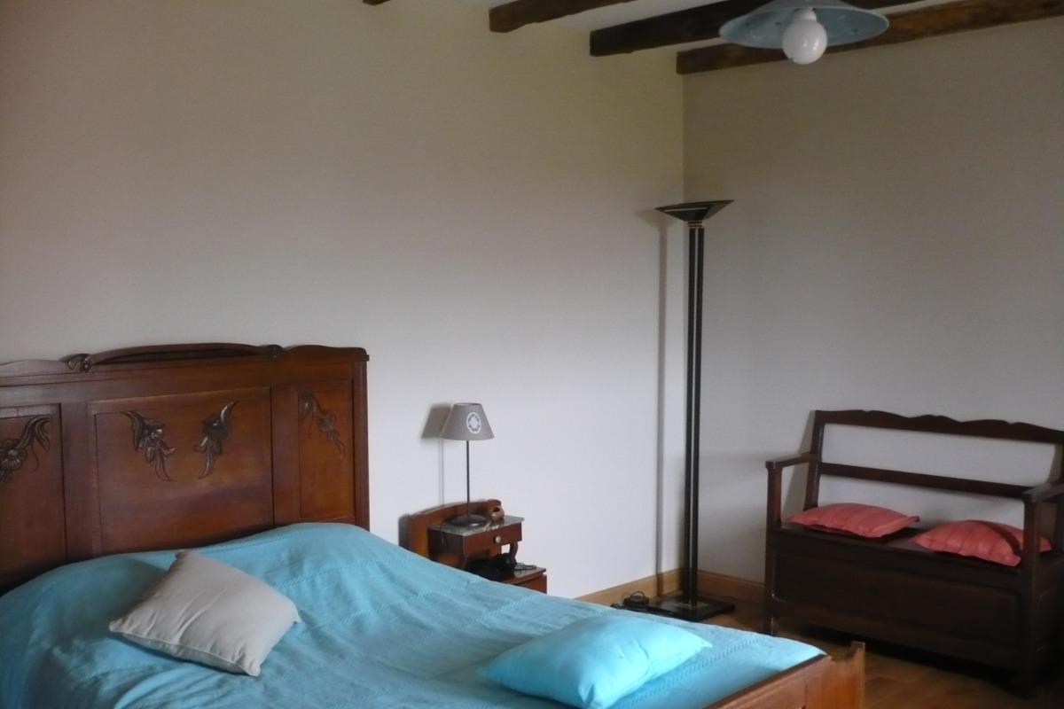 Chambre haut 1 - Location de vacances - Beaumont