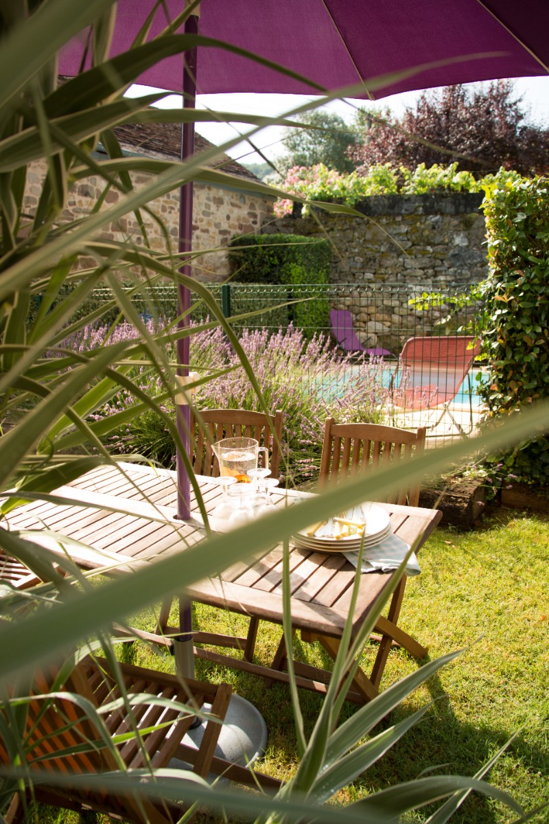 Il fait beau.....mettons la table au jardin..!! - Location de vacances - Larche