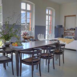 Dining table - Location de vacances - Troche