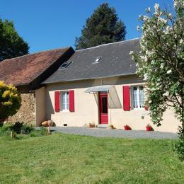 Maison, gîte 4 chambres pour 4,6,8 ou 10 personnes  - Location de vacances - Lubersac