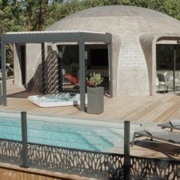 Game of Dome coté terrasse  - Location de vacances - Chartrier-Ferrière